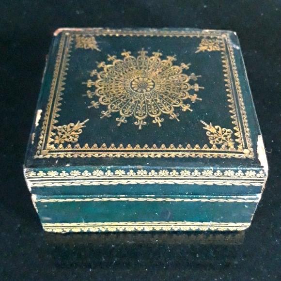 Vintage wood jewelry box Vintage box